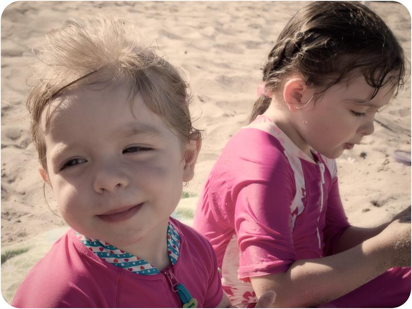 Sandrine et Myriam à la plage