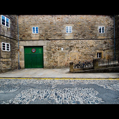 Santiago de Compostela [12:24 - July 14th] (Un ragazzo chiamato Bi) Tags: pen spain olympus espana galicia santiagodecompostela spagna ep1 f4056 918mm mzuiko noiperòsiamoarrivaticonlaereoilcamminoapiedilofamounaltravolta