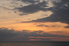 Bali, Lovina Beach - am Strand, Sonnenuntergang (468) (Chironius) Tags: sunset sky bali clouds indonesia atardecer evening abend zonsondergang tramonto nuvole sonnenuntergang dusk indianocean himmel wolke wolken ciel cielo dmmerung nuage crpuscule nube hemel indonesien array schemering crepuscolo gkyz  abenddmmerung abends  indischerozean indik