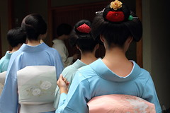 Nihongami  ---Traditional hair style in Japan--- (Teruhide Tomori) Tags: people japan kyoto traditional event maiko geiko   kimono gion hairstyle