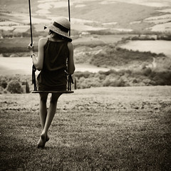 swing with a view (Kirstin Mckee) Tags: hat view swing ihopeyoudotoo iamignoringit overmountamiata shewasthinkingspyishthoughts asyoudowhenyoureella possiblytheloveliestswingsintheworld explorehasgonementalbtw becauseitsstilljustme