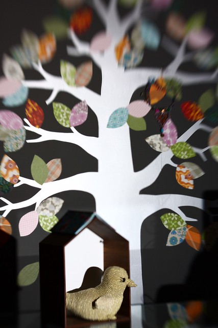 Tapeta drevo Inke, hiška Ferm Living, ptič Anne-Claire Petit
