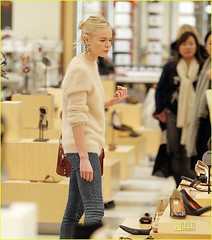 SPL233729_001 (shopployy) Tags: usa shopping losangeles outandabout browsing lookingserious katebosworth shoeshopping shoppingspree spendingspree tryingonshoes insidestore insideshop dropstatementearrings pastelpinkfluffysweater