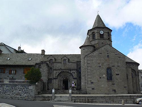 église Nasbinals.jpg