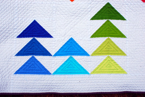 triangles quilt front detail