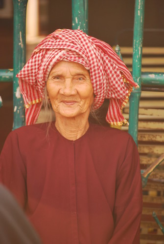 OLD WOMAN MEKONG DELTA by lelia22