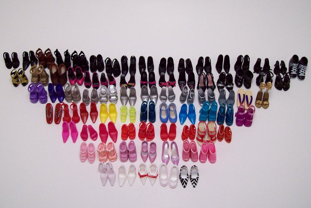 Just the shoes, Ma'am, just the shoes. View 3