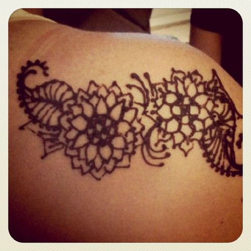 My pretty henna. :-) #blessingway #fun