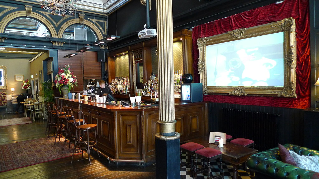 Hanover Street Bar 99