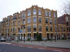 Bergselaan - Schiebroekselaan Rotterdam (oerendhard1) Tags: street houses netherlands architecture corner rotterdam streetcorner cornershop straathoek hoekhuis bergselaan schiebroekselaan