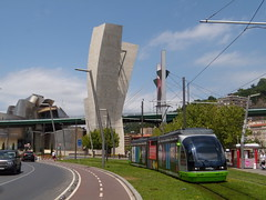 Euskotran Bilbao (Cimacapi) Tags: tram gehry bilbao guggenheim bizkaia euskadi tran euskotran