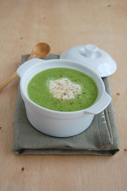 Pea soup / Sopa de ervilha