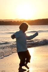 Susie sunset (LaurentBrancaleoni) Tags: sunset sea mer girl soleil nikon child sable enfant contrejour coucherdesoleil laciotat 2011 d90 leslecques