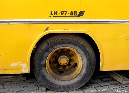 Micro amarilla / Yellow Microbus | Inrecar Sagitario / LH9768
