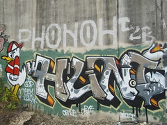 Phonoh Hunt (soulroach) Tags: graffiti tracks pa mayhem t2b northphiladelphia hunt duckhunter phonoh