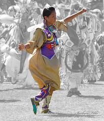 Simple Dancer (misst.shs) Tags: nikon dancer nativeamerican powwow hss northidaho julyamsh postfallsidaho sliderssunday coeurdalenetibalencampmentandpowwow