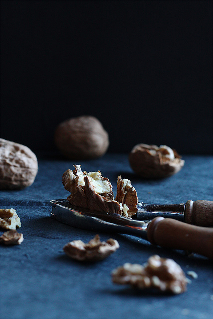 7 CookRepublic-Walnuts Nutcracker Ingredient