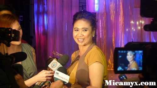 Eugene Domingo mobbed by the press