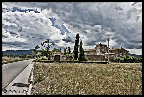 gavarres amb nuvols by Antoni illa