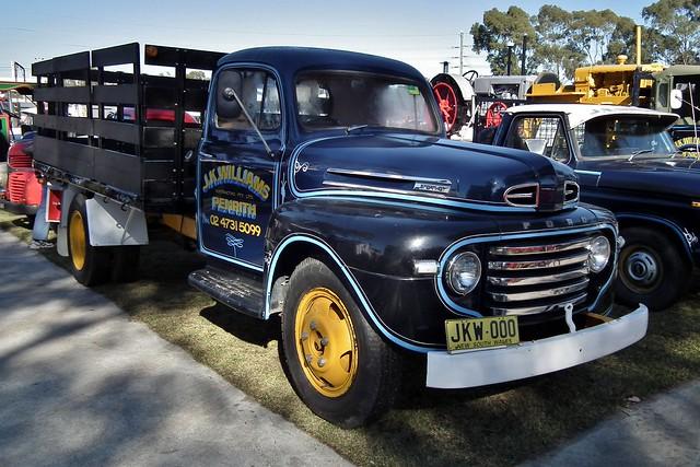 ford table top f series 1949 penrith 2011 museumoffire sydneyantiqueclassictruckshow