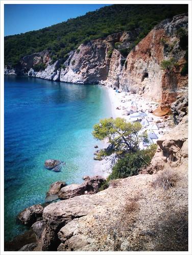 Παραλία Χαλικιάδα στο Αγκίστρι