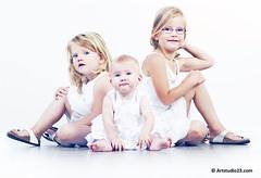 2078_Artstudio23 (Artstudio23.com) Tags: girls portrait people baby white 3 girl sisters children photography fotografie child dress sister innocent kinderen kind photostudio portret pure wit zusje meisje puur kleren mensen fotograaf fotostudio zusjes onschuldig artstudio23 hansvannunen meisejs