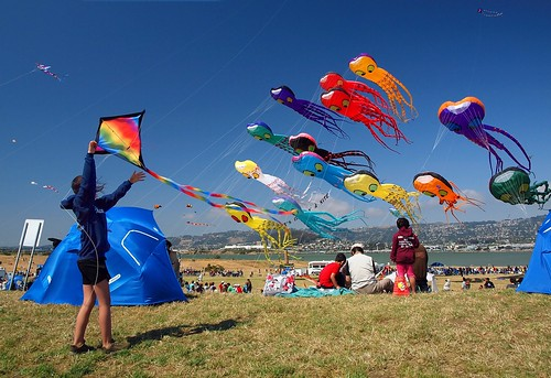 kites made with recycled materials