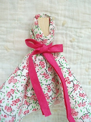 Easy-to-Make Clothes Pin Dolls