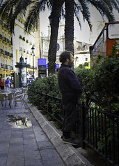 Peeing in Valencia, Spain (-dangler) Tags: city man guy public valencia spain funny europe homeless bum 7d troll pissing hobo exposed peeing urinating dandangler