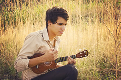 Alan Vizcarra (ammaBe!) Tags: boy sunset portrait sol sunshine atardecer ukulele retrato