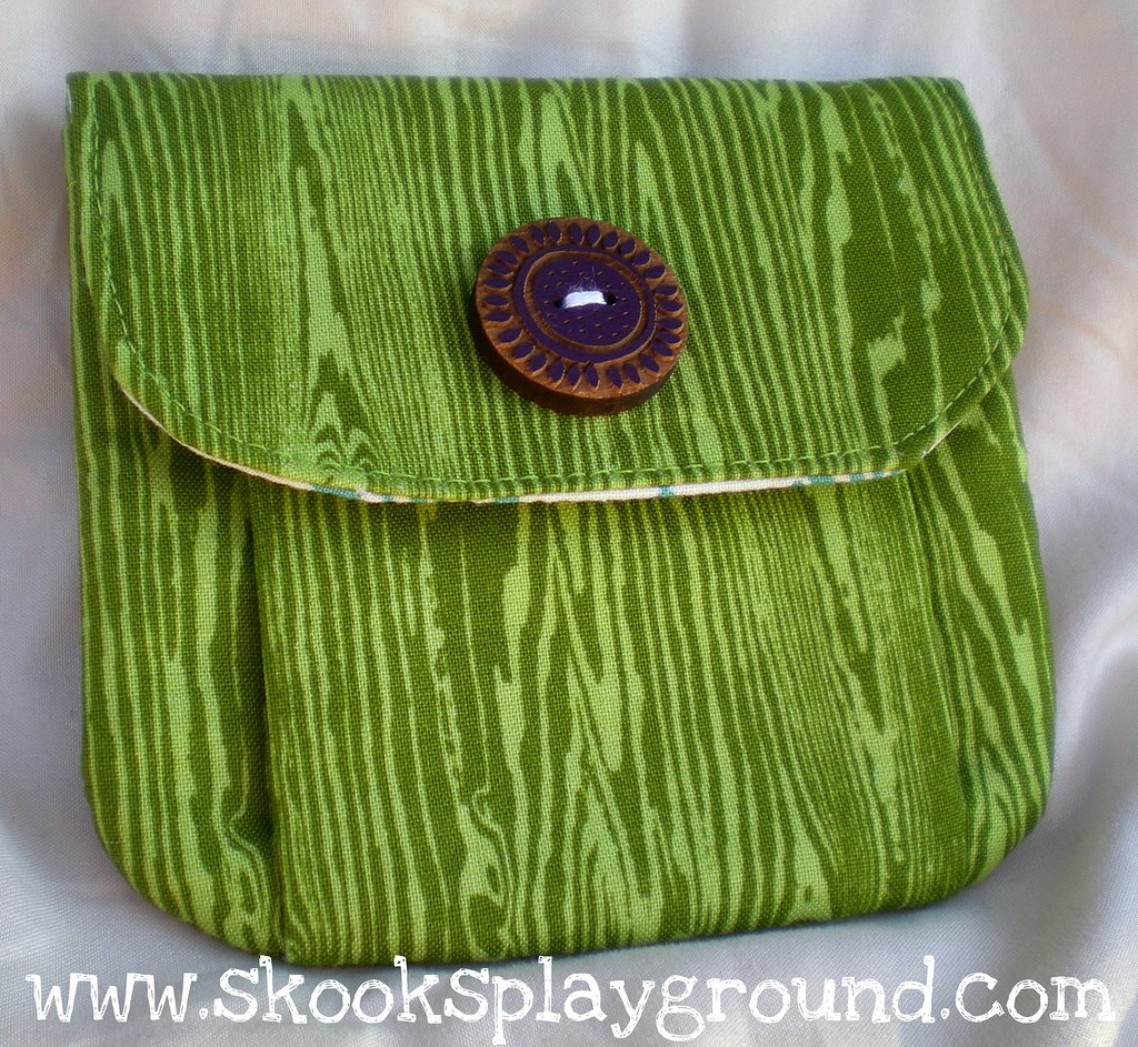 Woodgrain Change Purse Front