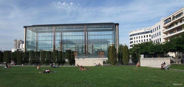 Une des grandes serres du Parc André Citroën