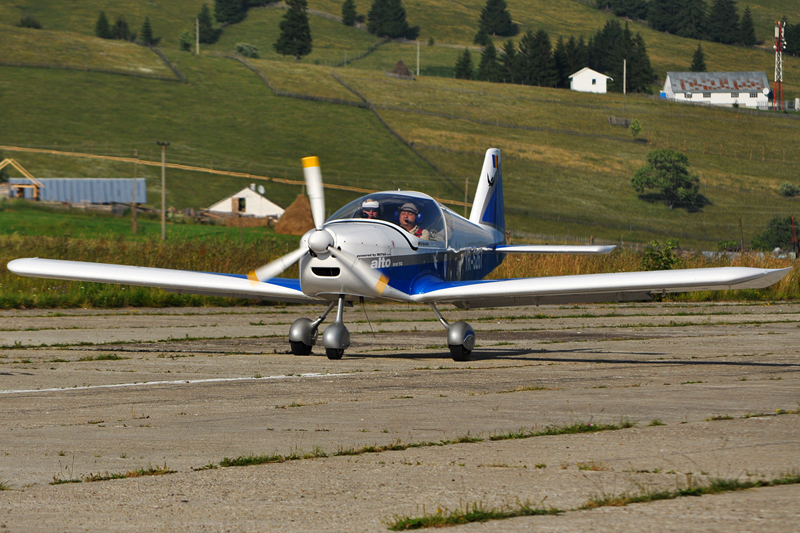 Suceava, Vatra Dornei - Aerodromul Floreni (LRFL) - Pagina 6 5919188149_f09e924827_o