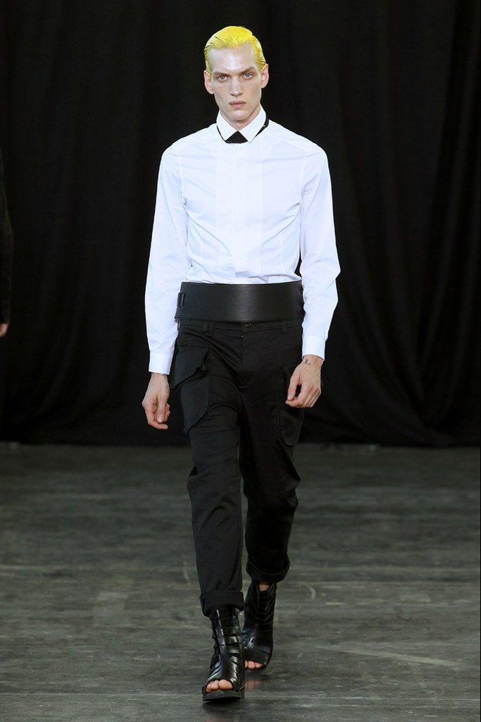 Paul Boche3277_SS12 Paris Songzio(Homme Model)