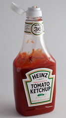 Plastic ketchup squeeze bottle