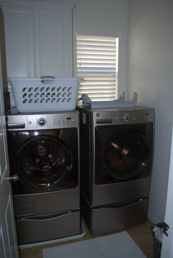 333 Java Laundry room