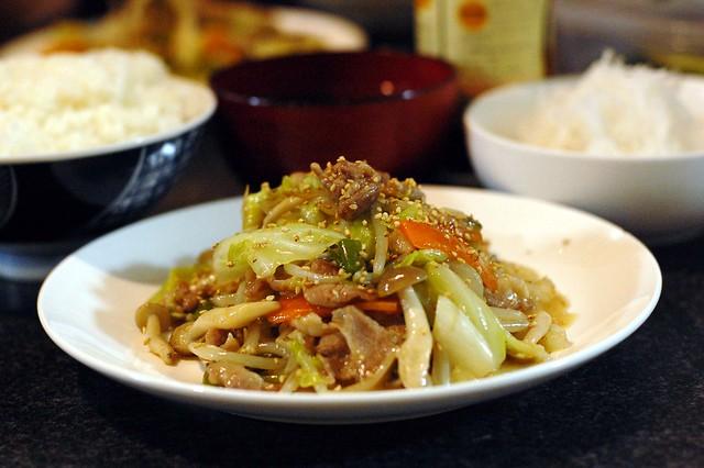 肉野菜炒めを塩系で。