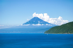 Blue sea and Mt. Fuji02 (-TommyTsutsui- [nextBlessing]) Tags: blue sea summer sky seascape nature japan clouds landscape coast nikon fuji tide      izu    nikkor70300 onsalegettyimages