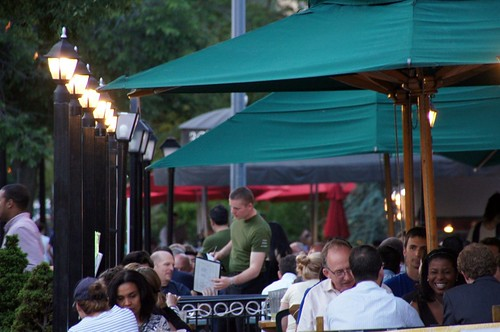 a Dupont Circle cafe (by: tedeytan, creative commons license)