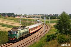 ET22 1040 2011.07.14. Baranówka (mienkfotikjofotik) Tags: train eisenbahn rail railway taurus bahn pkp vlak kolej koleje polskie vasút vlaky państwowe vasutak