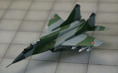 "Revell + Academy 1/144 - MiG-29 Fulcrum "" Soviet Air Forces"" - Completed - 1"