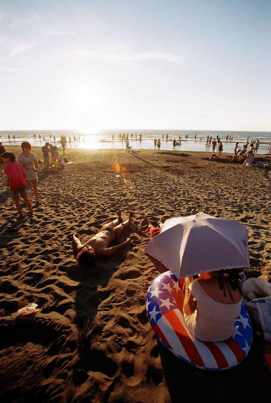 新竹熱門景點 - 新月沙灘