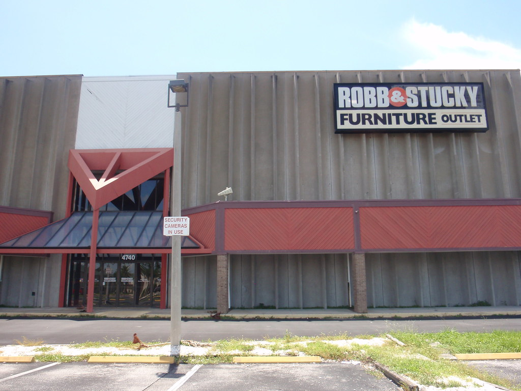 Robb & Stucky Furniture Outlet Out Of Business (Fort Myers, FL)