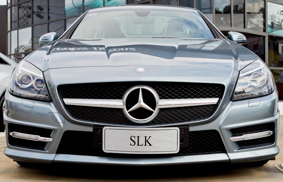 El Stand de Mercedes Benz exhibía el imponente modelo SLK 2011 que atraía miradas y visitas del público. (Tetsu Espósito)