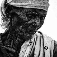 Portrait of Hardlife | Agriculture worker at the age of 80+ (ayashok photography) Tags: portrait people bw woman india lady asian blackwhite nikon asia village indian dude desi worker agriculture aging hardwork oldage bnw tamilnadu bharat tenkasi bharath desh barat sunflowerfield barath thenkasi nikkor70300mmvr ayashok nikond300 aya9159v2 sundarapandiapuram