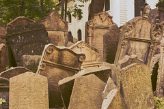 Mortuary Blocks II (Ildegarde Grznic) Tags: old pink cemetery grave graveyard sadness europa europe republic sad czech prague praha graves horror jewish cimitero 2011 ebraico mourge