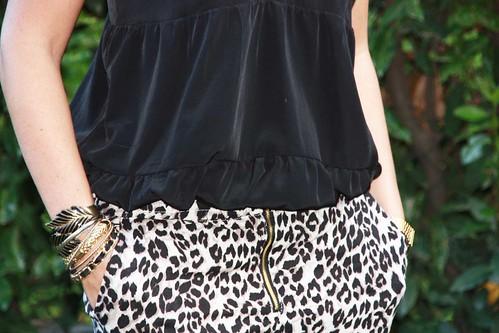 zip leopard et mains bracelets