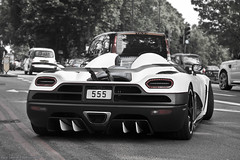The fun just began! (Raul Salinas) Tags: white black london cars car canon photography eos back amazing power united side kingdom salinas r raul 17 expensive 85 exclusive supercar dorchester koenigsegg hypercar 40d agera