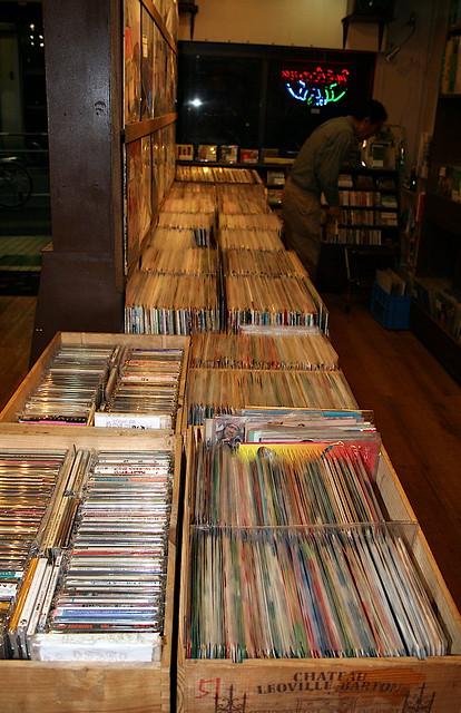 RECORDS SHOP, Ikebukuro, COCONUTS IMG_8624