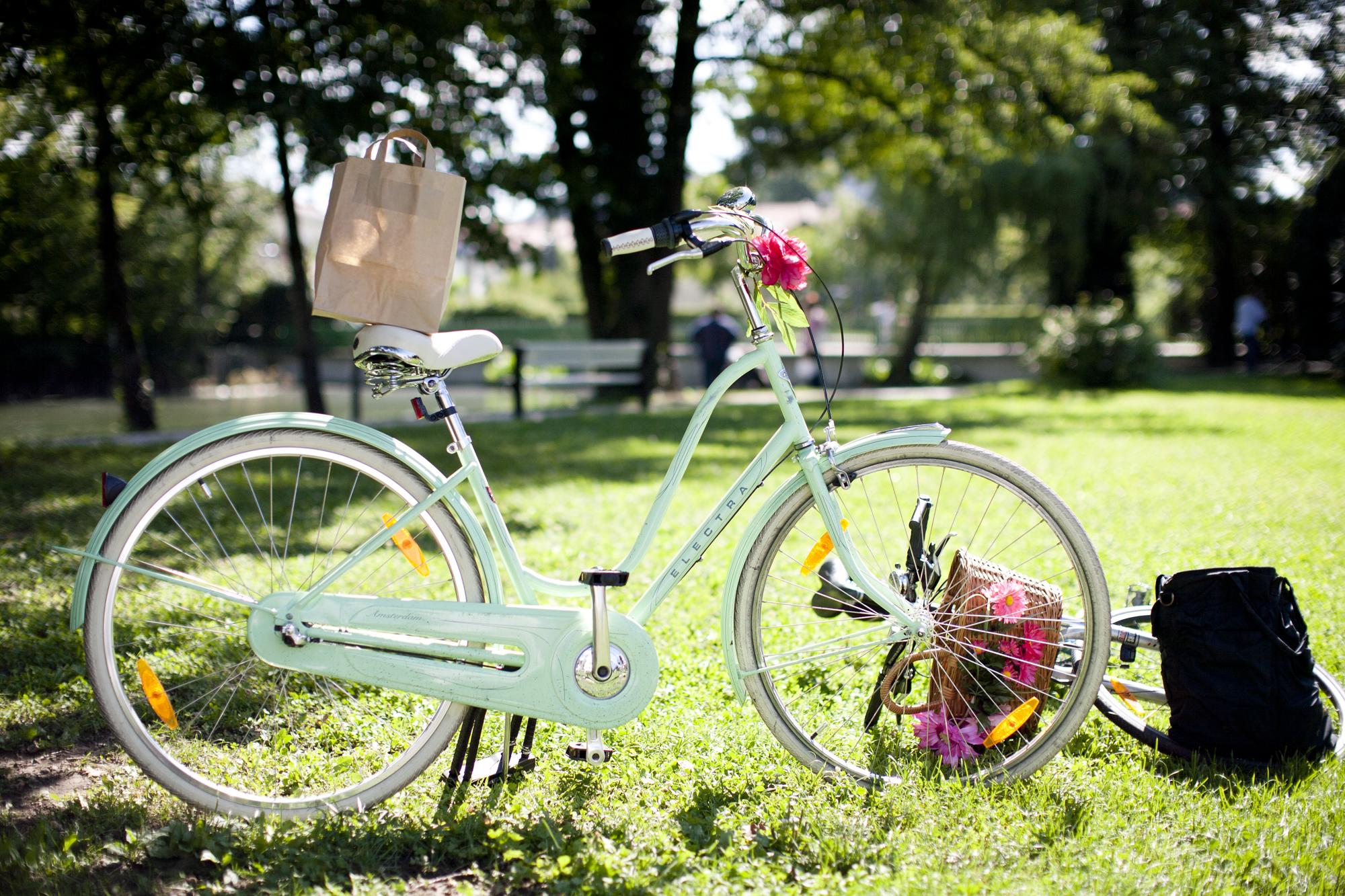electra bikes, amsterdam, sea foam, tivoli,